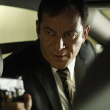 Awake: Jason Isaacs nell'episodio Say Hello to My Little Friend