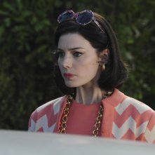 Jessica Paré nell'episodio Far Away Places della quinta stagione di Mad Men