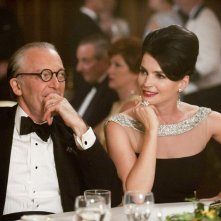 Ronald Guttman e Julia Ormond nell'episodio At the Codfish Ball della quinta stagione di Mad Men