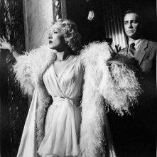 Marlene Dietrich è una diva del varietà in Paura in palcoscenico