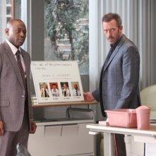 Dr House: Hugh Laurie e Omar Epps nell'episodio Better Half