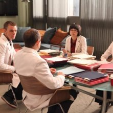 Dr House: Jesse Spencer, Charlyne Yi e Odette Annable nell'episodio The C-Word