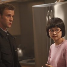 Dr House: Jesse Spencer e Charlyne Yi nell'episodio Gut Check