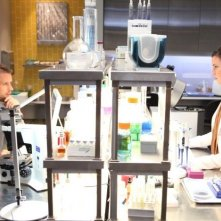 Dr House: Jesse Spencer ed Odette Annable nell'episodio Parents