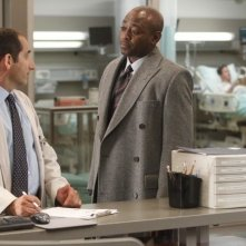 Dr House: Peter Jacobson e Omar Epps nell'episodio Perils of Paranoia