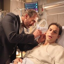 Dr House: Skylar Astin ed Hugh Laurie nell'episodio Holding On