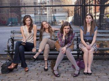 Girls: Allison Williams, Jemima Kirke, Lena Dunham e Zosia Mamet nella serie HBO