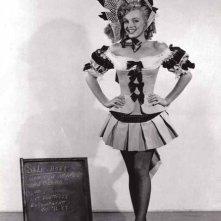 Marilyn Monroe durante la lavorazione della commedia La figlia dello sceriffo (1950)