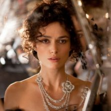 Keira Knightley in un intenso primo piano in Anna Karenina