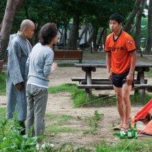 In Another Country: Jun-sang Yu in una scena del film