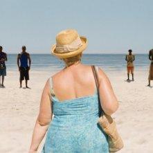 Paradise: Love, Margarete Tiesel (di spalle) in una scena del film
