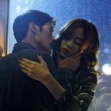 Taste of Money: Kim Hyo-jin e Kim Kang-woo in un'immagine del film