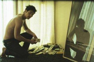 Taste of Money: Kim Kang-woo in una scena del film
