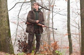 The Hunt: Mads Mikkelsen in una scena del film