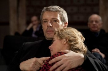 Vous n'avez encore rien vu: Anne Consigny e Lambert Wilson in una scena