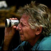 Roman Polanski: A Film Memoir, un'immagine di Roman Polanski sul set di uno dei suoi tantissimi film