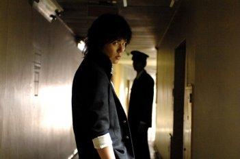 Ai to makoto: il protagonista Satoshi Tsumabuki in una scena del film