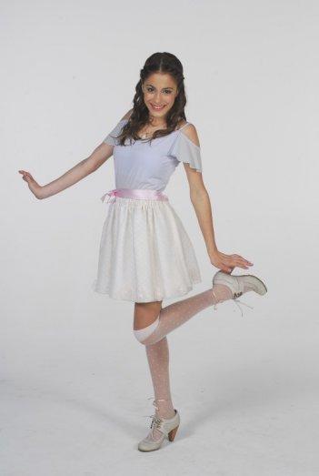 Martina Stoessel in una foto promozionale per la serie televisiva Violetta