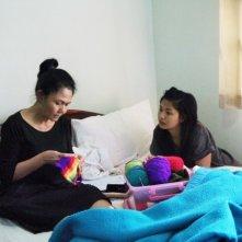 Mekong Hotel: Jenjira Pongpas e Maiyatan Techaparn in una scena del film