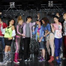 Un'immagine promozionale per il cast della serie tv Violetta