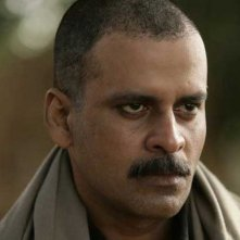 Gangs of Wasseypur: Manoj Bajpayee in una scena del film