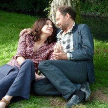 Granny's Funeral: Denis Podalydès insieme a Valérie Lemercier in una tenera scena del film