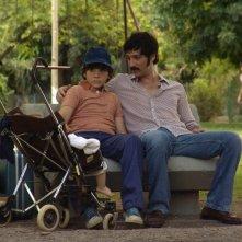 Infanzia clandestina: Ernesto Alterio e Teo Gutiérrez Moreno in una scena del film