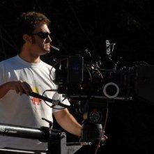Infancia clandestina: il regista del film Benjamín Ávila sul set del film