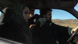 Le Repenti: Nabil Asli insieme a Khaled Benaïssa e Adila Bendimered in una scena del film