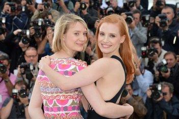 Mia Wasikowska e Jessica Chastain, le donne di Lawless a Cannes