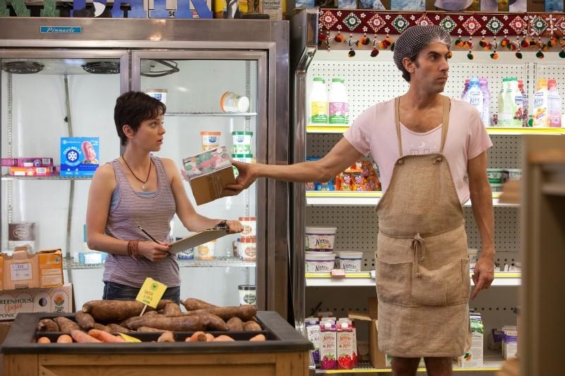 Il Dittatore Anna Faris E Sacha Baron Cohen Nei Panni Di Efawadh In Una Scena Tratta Dal Film 241617