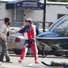 Il Dittatore: Jason Mantzoukas e Sacha Baron Cohen in una scena