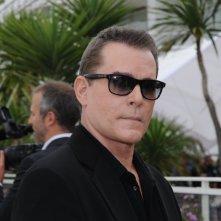 Un primo piano di Ray Liotta a Cannes per accompagnare il thriller Killing Them Softly