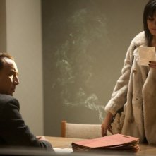 Vanessa Hudgens con Nicolas Cage in The Frozen Ground