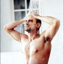 Christopher Meloni sotto la doccia.
