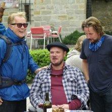 Il cammino per Santiago: Martin Sheen, Yorick van Wageningen insieme a Emilio Estevez sul set del film