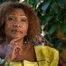 Marley: Marcia Griffiths, una componente del gruppo vocale delle I Threes, in una scena del film