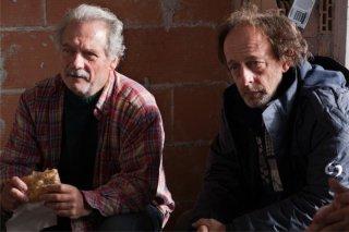 Qualche nuvola: Giorgio Colangeli e Paolo De Vita in una scena del film