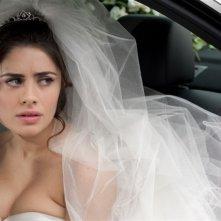 Qualche nuvola: Greta Scarano è una sposa dallo sguardo triste in una scena del film