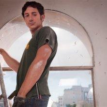 Qualche nuvola: Michele Alhaique nei panni di Diego in una scena del film