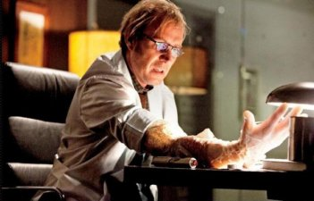 Rhys Ifans si trasforma in The Lizard in The Amazing Spider-Man