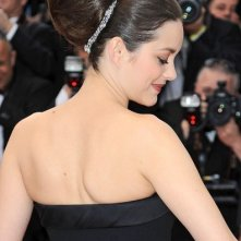 Cannes 2012: Marion Cotillard sul red carpet per la premiere di Rust and Bone.