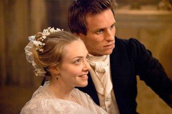La radiosa Amanda Seyfried ed Eddie Redmayne in Les Misérables