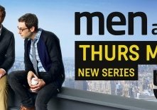Men at Work: un poster con sviluppo orizzontale della serie