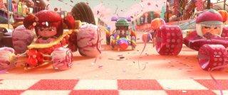 Ralph Spaccatutto: una coloratissima scena del film
