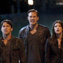 True Blood: Stephen Moyer, Alexander Skarsgard e Lucy Griffiths nell'episodio Turn! Turn! Turn!