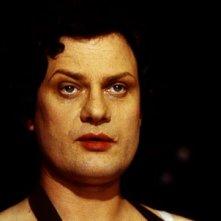 Volker Spengler è il transessuale Elvira in Un anno con 13 lune di R. W. Fassbinder.