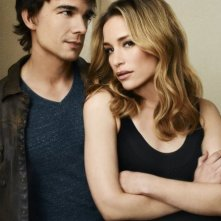 Covert Affairs: Christopher Gorham e Piper Perabo in una foto promozionale