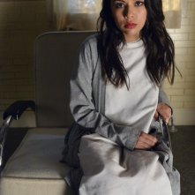 Pretty Little Liars: Janel Parrish nell'episodio Blood Is the New Black