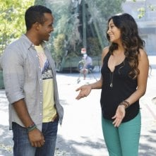 Pretty Little Liars: Sterling Sulieman e Shay Mitchell in una scena dell'episodio Birds of a Feather